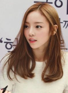 Korean Hair Color Brown, Hair Color Asian, Brown Hair Colors, Brown Hair Korean, Hair Colour, Korean Hair Medium, Korea Hair Color, Medium Hair Cuts, Long Hair Cuts