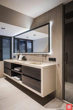 21 Bathroom Cabinet Ideas for A Minimalist Bathroom. Incredible Bathroom Cabine 21 Bathroom Cabinet Ideas for A Minimalist Bathroom. Bathroom Styling, Bathroom Interior Design, Modern Interior Design, Bathroom Lighting, Minimalist Bathroom Design, Restroom Design, Modern Bathroom Design, Minimalist Bedroom, Bathroom Designs