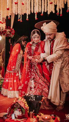 Hindu Wedding Photos, Indian Wedding Bride, Sikh Bride, Indian Bride And Groom, Indian Wedding Photography, Pink Bridal Lehenga, Designer Bridal Lehenga, Indian Bridal Fashion, Indian Bridal Wear