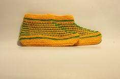Knitted two-colour slippers by StrawberryHandicraft on Etsy