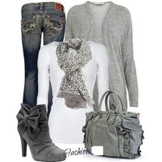 Beautiful, casual grey and white winter outfit. The scarf gives it a bit of flair and the suede boots are so cute! Mode Outfits, Casual Outfits, Fashion Outfits, Womens Fashion, Fashion Trends, Casual Mode, Moda Casual, Classy Casual, Comfy Casual