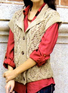 chaleco en relieve tejido en crochet (frente)