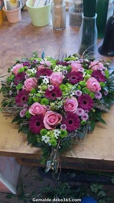 with gerbera www.be # funeral You are in the right place about funeral food Here we offer you the most beautifu Valentine Flower Arrangements, Funeral Floral Arrangements, Beautiful Flower Arrangements, Beautiful Flowers, Grave Flowers, Cemetery Flowers, Funeral Flowers, Wedding Flowers, Funeral Bouquet