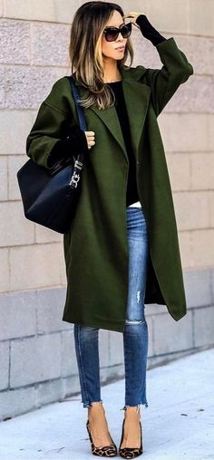 summer outfits Green Coat + Ripped Skinny Jeans + Leopard Pumps