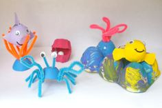 Egg Carton Sea Life Habitat - turn egg cartons into every type of animal under the sea. Recycled kids' crafts don't have to look recycled! SO CUTE!