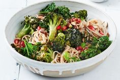 With edamame, broccoli and pomegranates, all tied together with soba noodles; this colourful vegan bowl has everything you need, and it is a cinch to make! Korean Sweet Potato Noodles, Spicy Asian Noodles, Broccoli, Fried Chicken Strips, Pork Fillet, Zucchini Salad, Cabbage Salad, Roasted Sweet Potatoes, Roasted Vegetables
