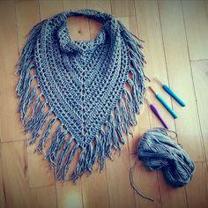 Cute free crochet triangle scarf patterns scarf pattern, fringed scarf, bandana, cowl, lightweight, crochet scarf,  knit scarf AQVWBXW