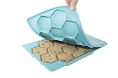 FREE SHIPPING WHEN YOU ORDER 2 OR MORE The Smart Cookie™ will perfectly cut, portion and store your homemade cookie dough so it's ready to bake at a moment's notice! Anytime you crave fresh baked cook
