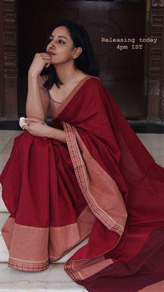 Dress Indian Style, Indian Dresses, Indian Outfits, Indian Clothes, Trendy Sarees, Stylish Sarees, Simple Sarees, Cotton Saree Designs, Saree Blouse Designs