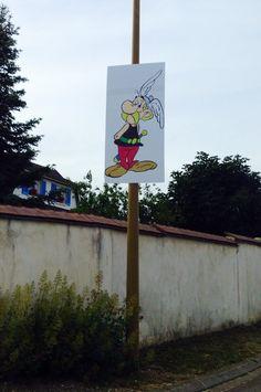 Venez nombreux !! Posters géants de vos héros imprimés par SARL MALOU CRÉAMIR :-)  Festival de la BD de Beire le Chatel 28 et 29 juin 2014.