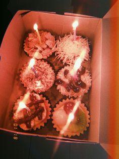 17 Ideas for cupcakes decoration ideas decorating cakes treats Tumblr Birthday, Girl Birthday, Happy Birthday, Birthday Plate, Cupcake Photography, Tumblr Photography, Baby Shower Cupcakes, Fun Cupcakes, Birthday Cupcakes