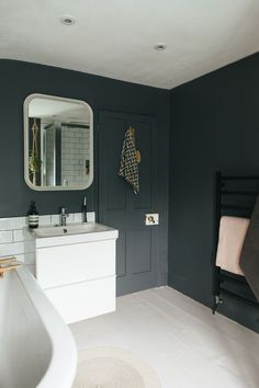 Best Colours For Small Bathroom