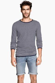 Short en jean | H&M vu dans le catalogue #H&M grâce à l'appli #Overlay