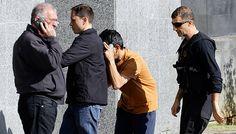 Agentes chegam à Polícia Federal, na Barra Funda, com detido na operação Boca Livre