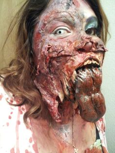 Um Horror Makeup, Zombie Makeup, Clown Makeup, Scary Makeup, Sfx Makeup, Costume Makeup, Makeup Art, Halloween Face Makeup, Scary Halloween