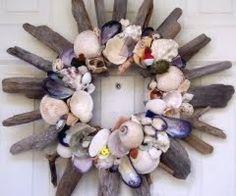DIY Shell Wreath #DIY #Summer #Wreaths #Shells #SeaShells #Beach #HomeDecor #Decor #Decorate #Decorations