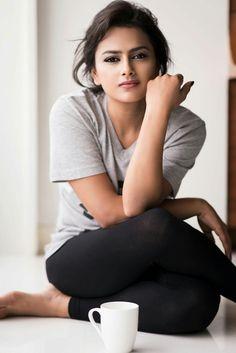 Actress Shraddha Srinath 2017 New HD Images - Gethu Cinema Beautiful Girl Photo, Beautiful Girl Indian, Beautiful Indian Actress, Cute Girl Photo, Beautiful Women, Beauty Full Girl, Beauty Women, Beautiful Celebrities, Beautiful Actresses