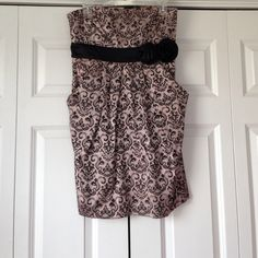 Strapless Dress Pale pinkish purple paisley print dress. Strapless. Comes right above the knee. Worn twice. Size 13. Message me for more pictures. Dresses Strapless