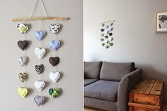 Cute fabric hearts hanging - would be lovely in reds for Valentine's Day Valentine Day Crafts, Holiday Crafts, Valentines, Sewing Projects, Projects To Try, Fabric Hearts, Hanging Hearts, Heart Decorations, Crafts For Girls