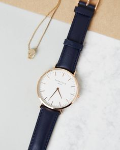 Get a closer look at the Classic Blue, AMS Serie watch. #sunday #classicbluewatch #darkbluewatch #AMSSeries #rosefield #rosefieldwatches #amsterdam #newyork #nyc