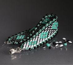 Superduo Duet Colour Shifting cuff pattern