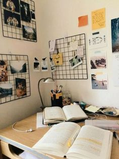 The Ultimate Back To School Checklist You'll Want To Follow Creative Wall Painting, Creative Walls, Creative Decor, University Rooms, Diy Computer Desk, Uni Room, Dorm Room, Multipurpose Room, Bedroom Desk