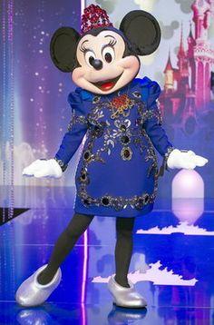 Ocho estilistas europeos visten a los personajes de Disney