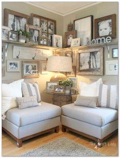 99+ DIY Farmhouse Living Room Wall Decor And Design Ideas  http://philanthropyalamode.com/99-diy-farmhouse-living-room-wall-decor-design-ideas/