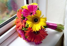 Think these gerbera bouquets would be perfect for #flowergirls at a #wedding