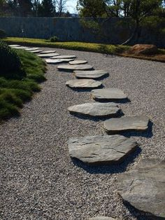Rock garden stepping stones- it would be neat to somehow anchor the stones and then scatter the gravel around them to create a driveway Garden Garden backyard Garden design Garden ideas Garden plants Japanese Garden Plants, Japanese Rock Garden, Japanese Garden Design, Garden Steps, Garden Guide, Garden Paths, Garden Stepping Stones, Stone Path, Garden Images