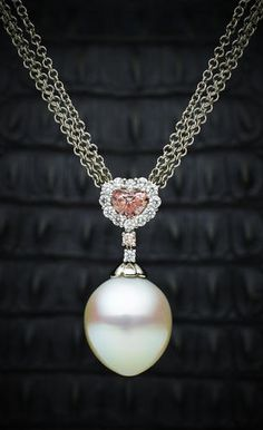 Diamond Pearl pendent necklace, by Paspaley.