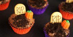 Graveyard Cupcakes {30 Days of Halloween - Day 1} - Cupcake Diaries cupcakediariesblog.com