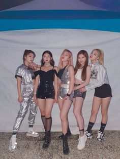 Stage Outfits, Kpop Outfits, Dance Outfits, New Outfits, Skirt Outfits, Kpop Girl Groups, Korean Girl Groups, Kpop Girls, Homo