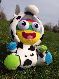 NanjingLeLe takes a moment to chill on the grass! #happy #moomonday #mascot #nanjing2014