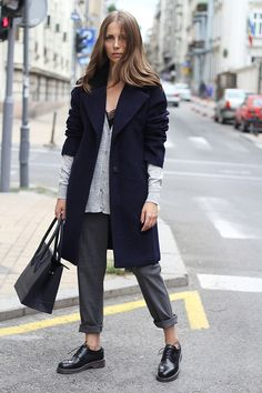 Layering (Fashion and style) Dr. Martens, Dr Martens 1461, Dr Martens Style, Dr Martens Outfit, Max Mara, Look Fashion, Autumn Fashion, Street Fashion, Heinrich Böll