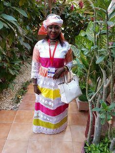 ( 23 photos ) Adja Sy, Ndiagamar de la Tfm !! chanteuse reconvertie en… – Dakarbuzz African Print Dresses, African Fashion Dresses, African Dress, Ethnic Dress, Africa Fashion, Two Piece Skirt Set, Womens Fashion, Clothes, Photos