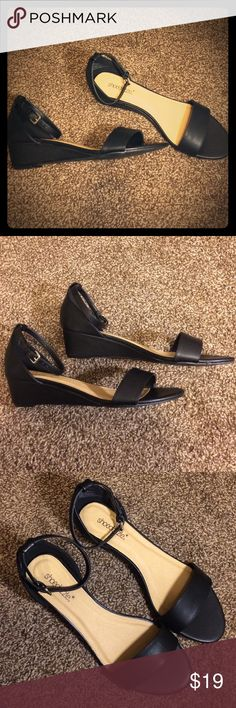 """Shoe Dazzle Black Sandal with Heel Size 10 Purchased from Just Fab but never worn. Shoe is called """"Jerrika"""". US10/UK8/EU41. Shoe Dazzle Shoes Sandals"""