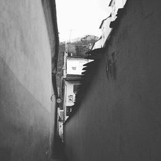 Rope Street is the narrowest 'street' in South Eastern Europe and gives a great view of the BRASOV sign!  Oh and happy Independence Day Romania!  #romania #brasov #street #blackandwhite #photooftheday #picoftheday #travel #travelgram #igtravel #instatravel #inspiredtraveller #travelingourplanet #adventureculture #worldnomads #exploring #footprintsandphotos @footprints_and_photos