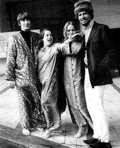 Cass Elliot Last Pictures Of   The Mamas & The Papas - Free album,track listening, free music video ...