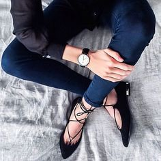 Outfit Inspiration: Lace up flats, Daniel Wellington Watch, black shirt, Forever New navy skinny jeans Follow @jayde_archives on Instagram.