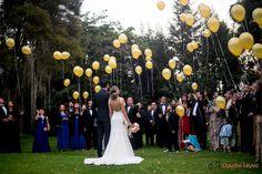 wedding, wedding inspiration, trees, outside wedding, wedding decoration, boda, decoración de boda, boda al aire libre, bombas, balloons.