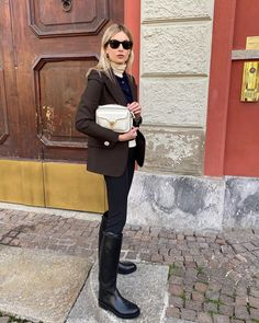 French Girl Style, French Girls, Jean Outfits, Chic Outfits, Fashion Outfits, Fall Winter Outfits, Winter Fashion, Winter Style, Spring Style