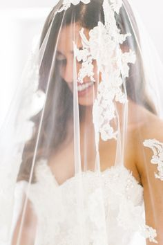 Gorgeous lace veil. Photography : Facibeni Fotografia Read More on SMP: http://www.stylemepretty.com/destination-weddings/italy-weddings/2016/08/27/an-intimate-elegant-wedding-in-florence/