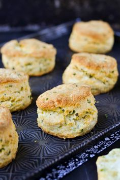 Food Planet: Sour Cream & Chive Biscuits