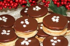 Išelské tortičky - recept Christmas Goodies, Christmas Baking, Gingerbread Cookies, Biscuits, Cheesecake, Cooking Recipes, Pudding, Xmas, Sweets