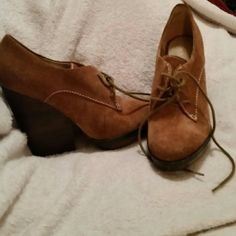 Levity wedge shoes 8  heel 4.5 in Tan 8m leather upper Like new levity  Shoes Wedges