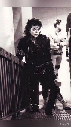 Michael Jackson ♕ King Of Pop ⒶⓇⓉ✪ⓂⓄⓃⓈⓉⒺⓇ Invincible Michael Jackson, Michael Jackson Bad Era, Bad Michael, Michael Jackson Videos, Michael Jackson Thriller, Michael Jackson Wallpaper, Jackson Family, Jackson 5, Rodrigo Teaser