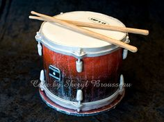 Drum cake by Sherylbrou http://www.flickr.com/photos/60949262@N04/with/7865799008/