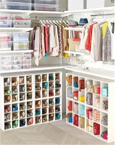 Collection of closet designs to organize your master bedroom, bring comfort and luxury into your home organization. Walk in closet design ideas Modern bedroom design with walk-in closet and sliding doors Custom-built walk-in closets are luxurious Master Closet, Closet Bedroom, Closet Space, Shoe Closet, Smart Closet, Master Bedroom, Bedroom Decor, Closet Mirror, Bathroom Closet