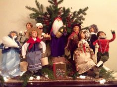 Decorating with the Byers' Choice Caroler figurines by Janette Ash